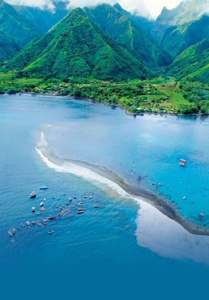 polynésie-française-voyage-eaux-pures-et-îles-volcaniques