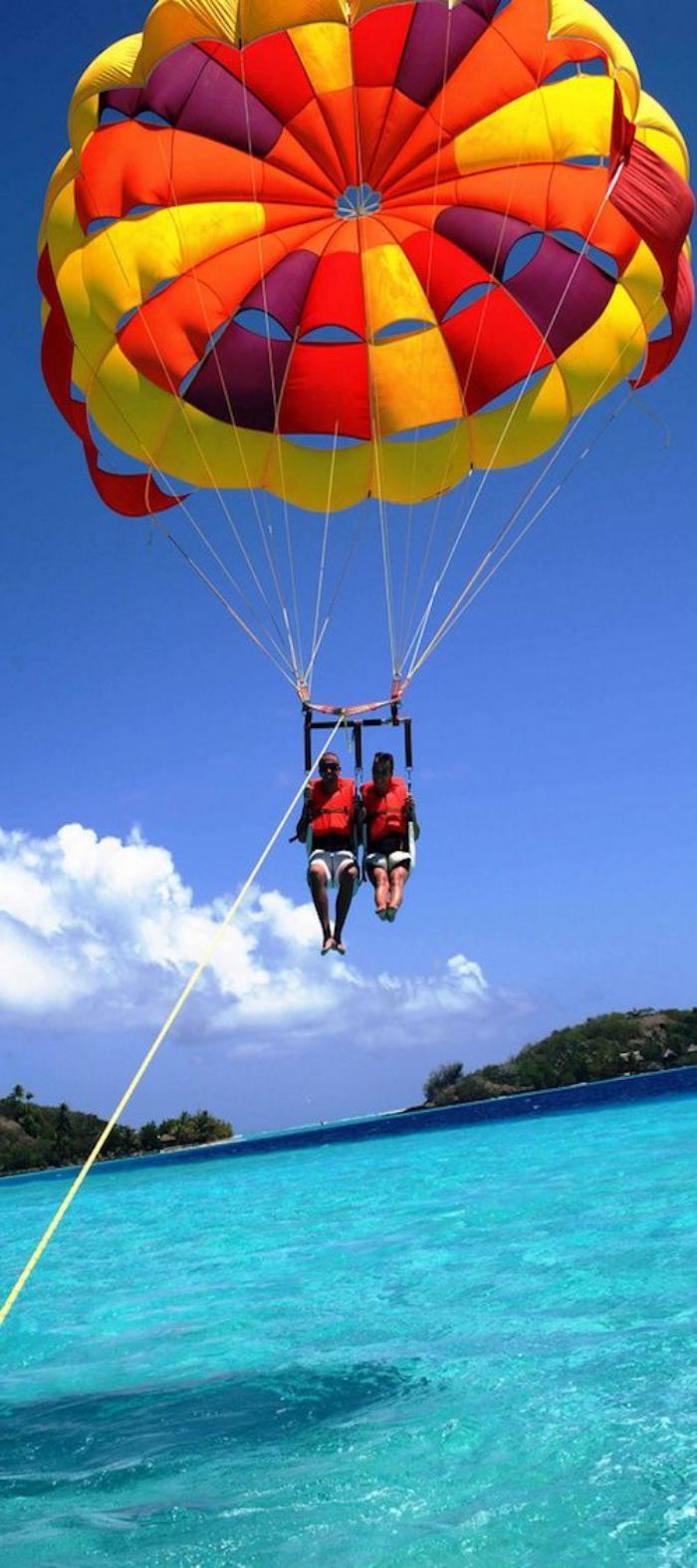 polynésie-française-voyage-parachute-au-dessus-de-l'océan