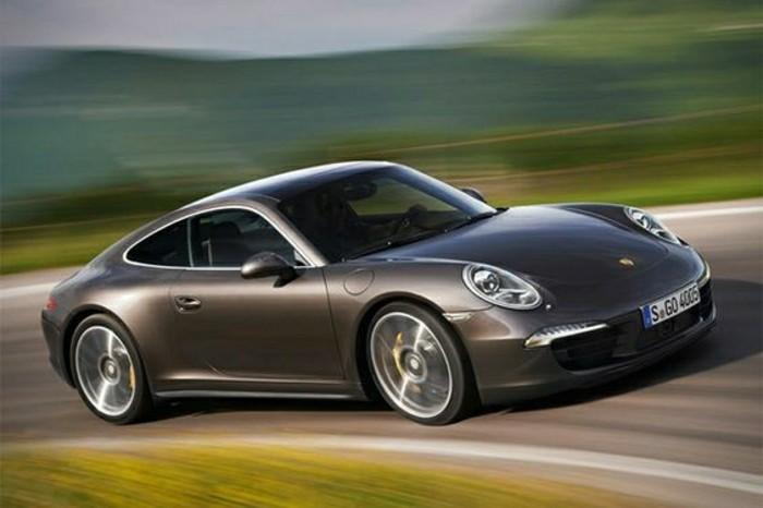 porsche-911-carrera-4-de-couleur-gris-design-voiture-achat-voiture-de-collection