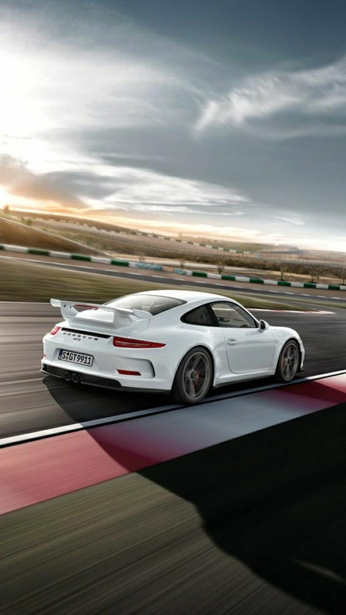 porsche-911-gt3-2014-de-couleur-blanche-les-voitures-blanches-vehicules-de-collection