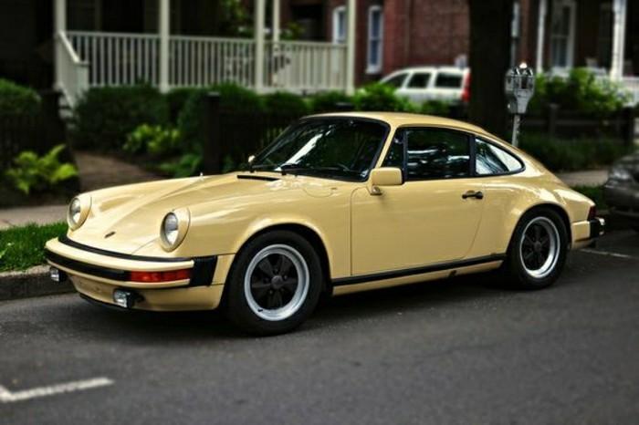 porsche-beige-voiture-moderne-voiture-de-collection-a-vendre-vielle-porsche-voiture