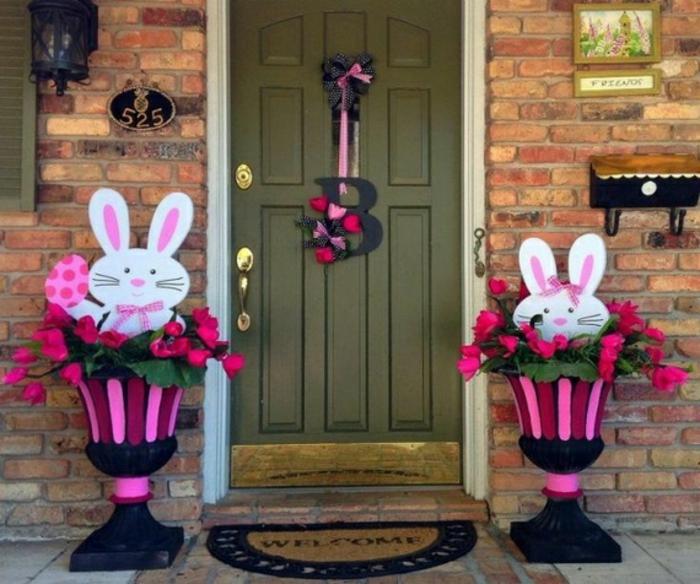 porte-en-vert-lapins-déco-dehors-idée-décoration-exterieur-paques