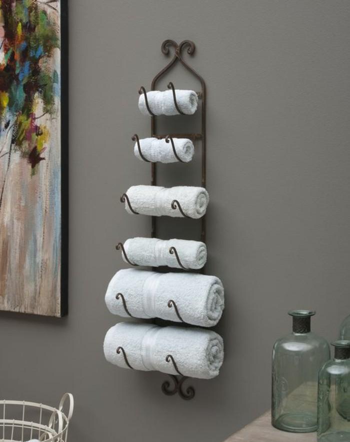 Le porte serviette en 40 photos d 39 id es pour votre salle for Changer porte meuble salle de bain
