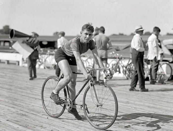 prendre-le-meilleur-vintage-velo-pour-rouler-dans-la-ville-cycliste-vintage
