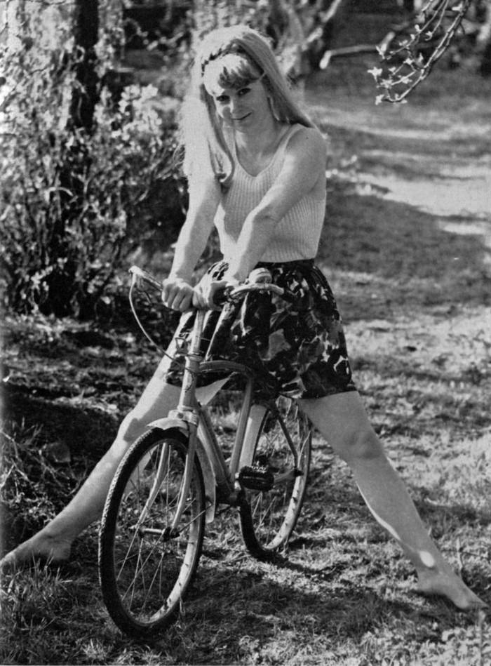 prendre-le-meilleur-vintage-velo-pour-rouler-dans-la-ville-photo-noir-et-blanc