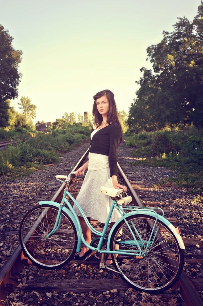 quoi-est-beau-superbe-velo-motobecane-choisir-le-meilleure-vélo-femme-vintage-coiffure