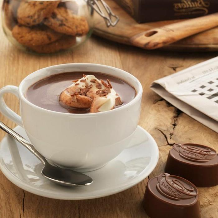 recette-chocolat-au-lait-recette-de-chocolat-chaud-lait-cannellecool