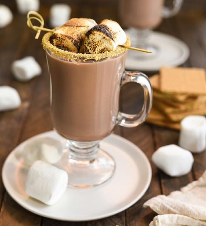 recette-de-chocolat-chaud-maison-le-chocolat-chaud-marshmellows