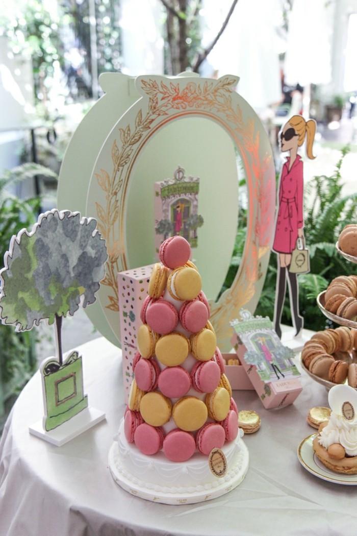 saint-valentin-cadeau-livraison-macarons-ladurée-idée-cadeau-originale-feminine