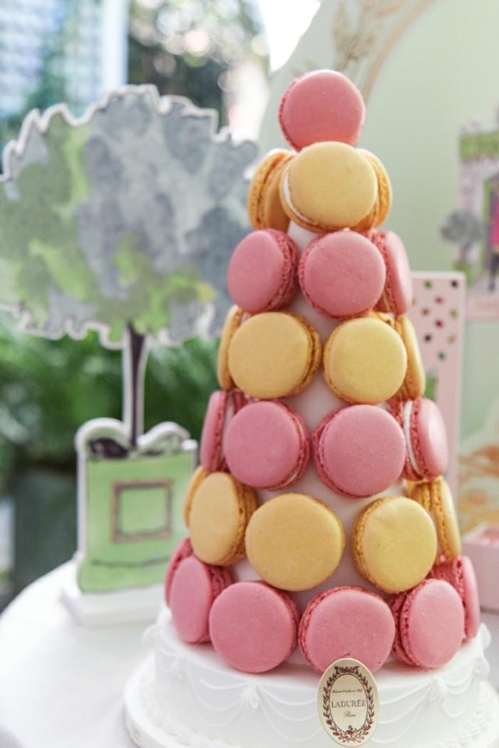 saint-valentin-cadeau-livraison-macarons-ladurée-idée-cadeau-originale-idée-pyramide