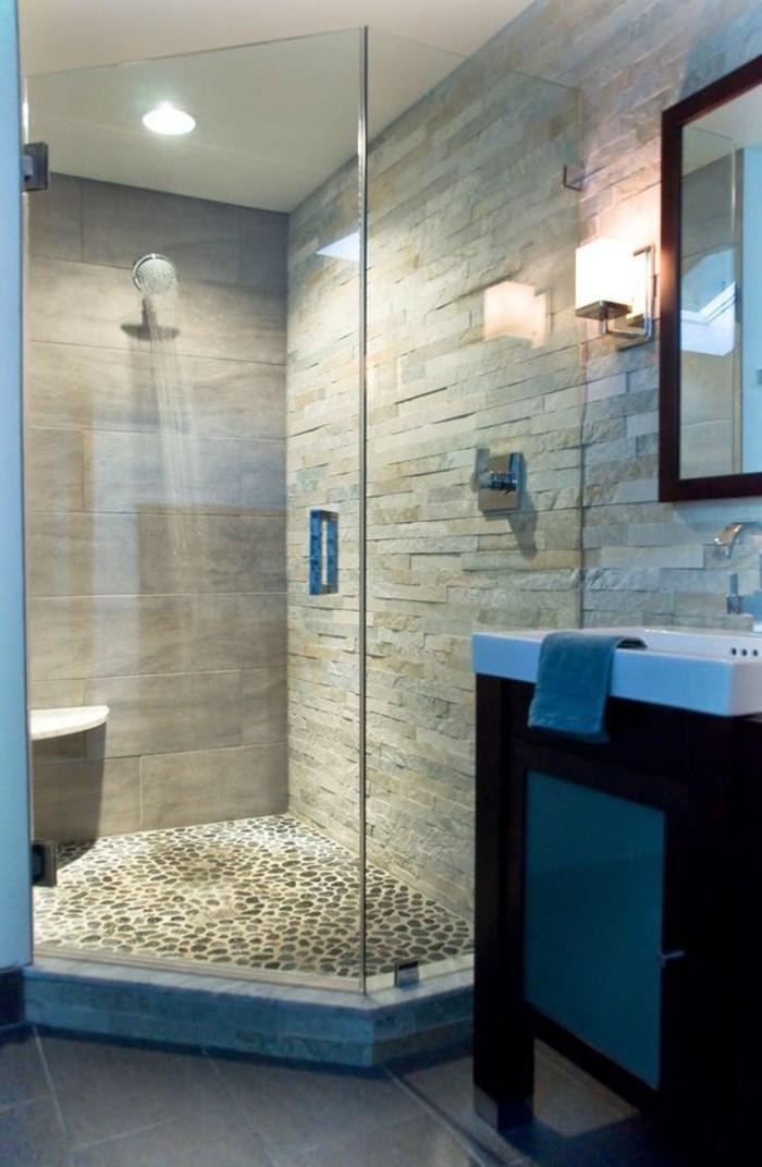 salle-de-bain-cabine-de-douche-en-verre-carreaux-mosaique-mosaique-salle-de-bain