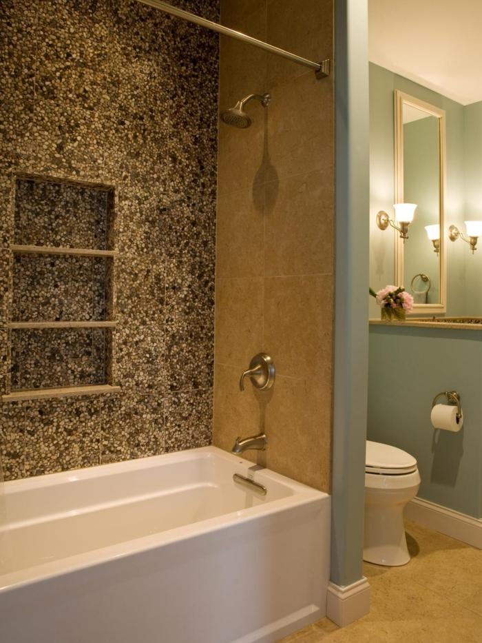 salle-de-bain-galet-carreaux-galet-pour-la-salle-de-bain-baignoire-blanche-carreaux-beiges