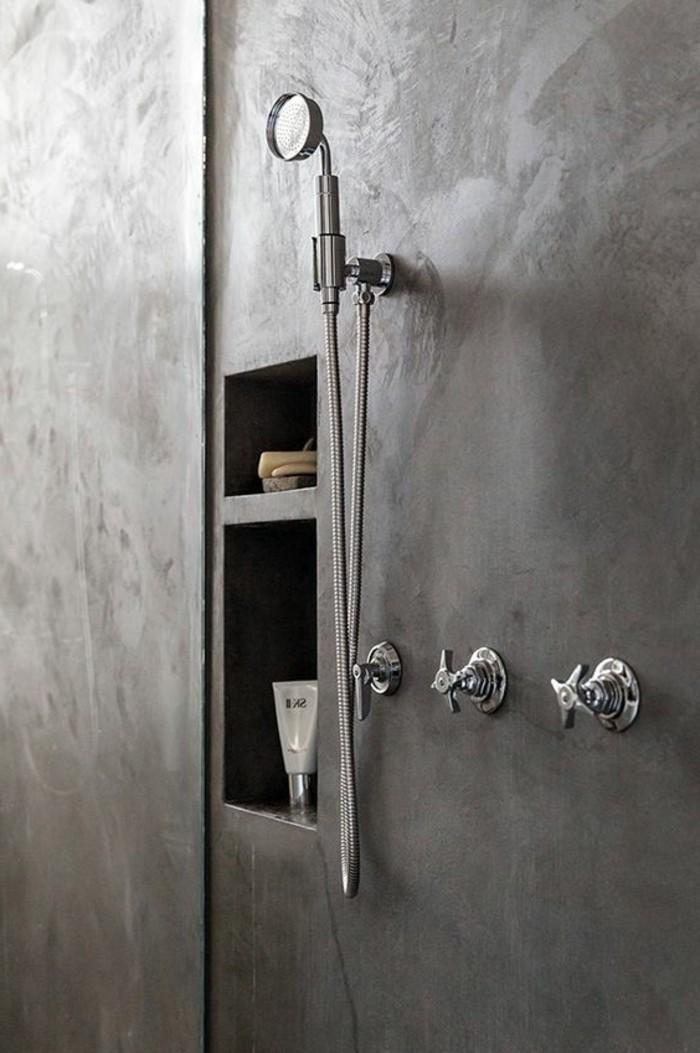 salle-de-bain-grise-plan-de-travail-béton-ciré-béton-décoratif-gris-pour-la-salle-de-bain