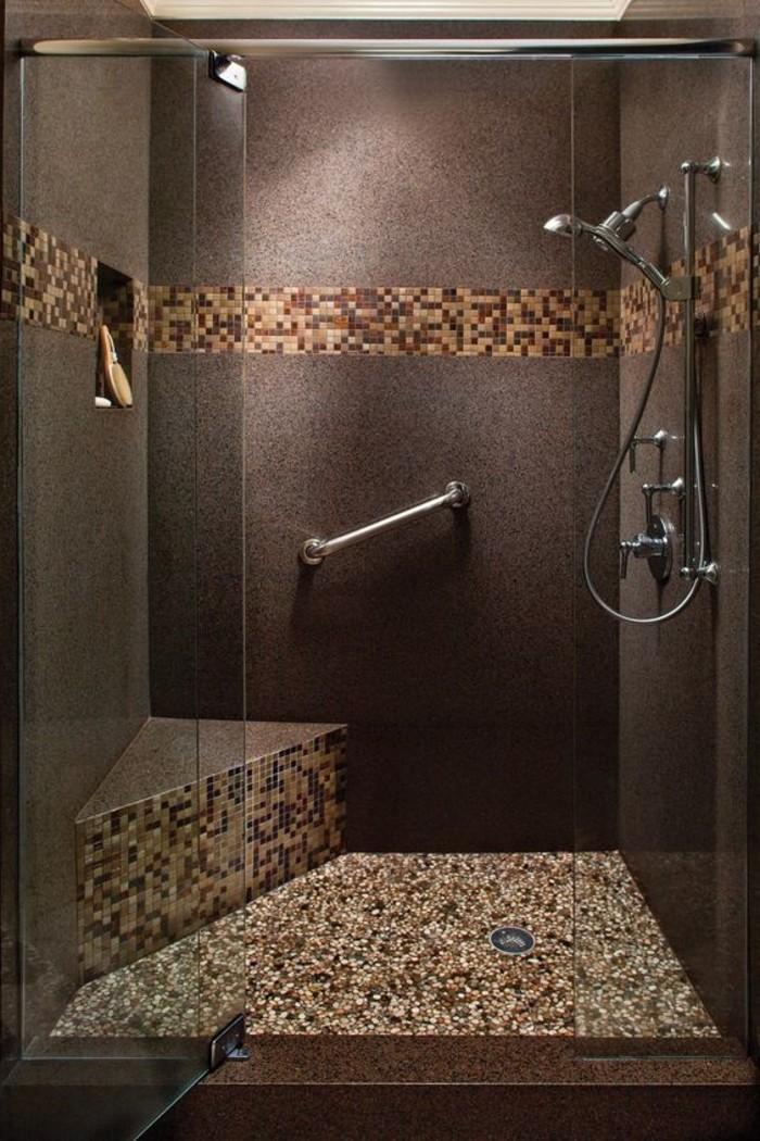 Idée Couleur Petite Salle De Bain : salle-de-bain-marron-foncé-carreaux-mosaique-mosaique-salle-de-bain …