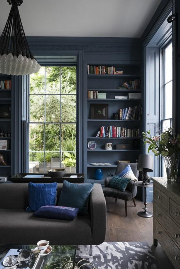 salon-bibliothèque-mural-peinture-mur-salon-assortir-les-couleurs-dans-le-salon