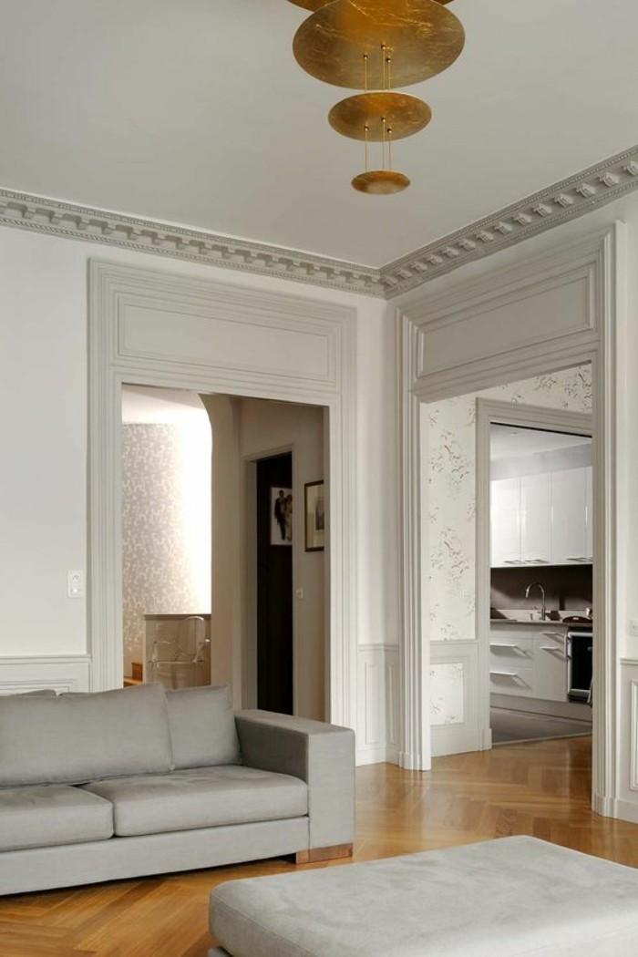 salon-chic-couleur-complémentaire-du-beige-couleur-peinture-salonparquet-clair-meubles-gris-plafond-blanc
