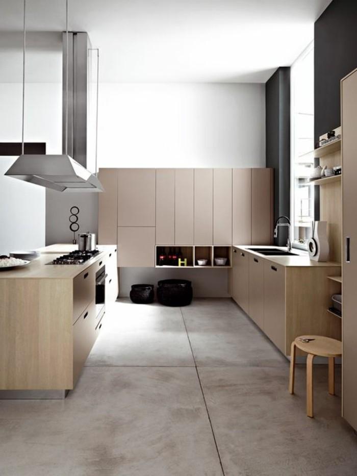 sol-en-carrelage-beige-cuisine-moderne-en-bois-plan-de-travail-béton-ciré-béton-décoratif-de-couleur-taupe