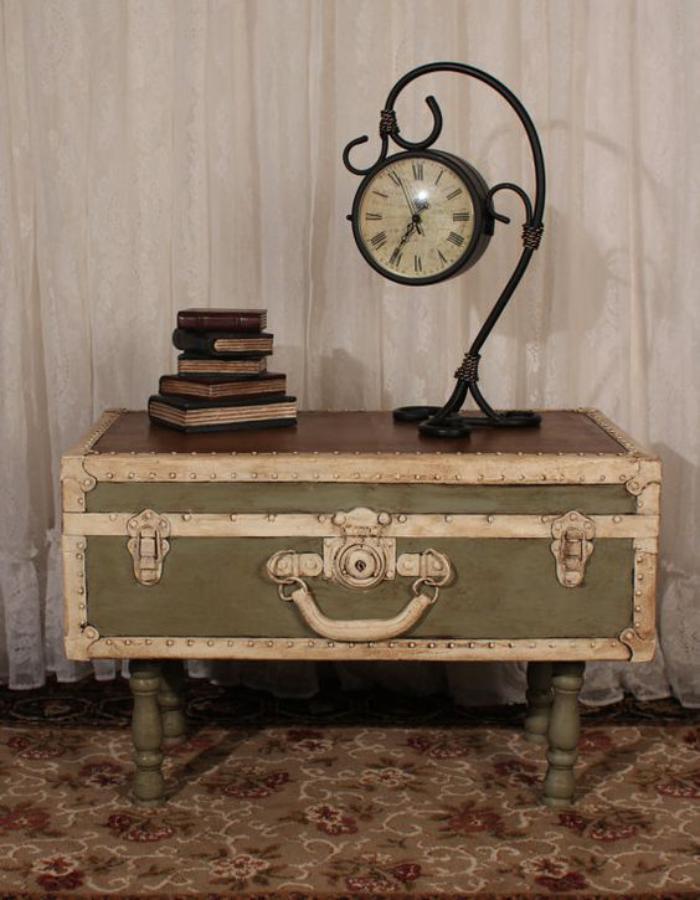 table-basse-coffre-déco-vintage-pour-l'intérieur
