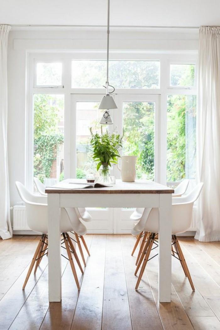 table-carée-ikea-table-carrée-4-personnes-pour-la-salle-à-manger-chic-sol-en-parquet