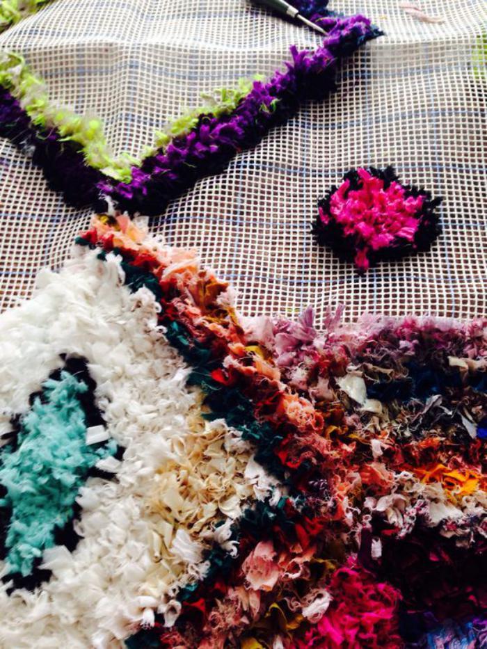 tapis-marocain-comment-créer-un-tapis-de-tissus-récupérés