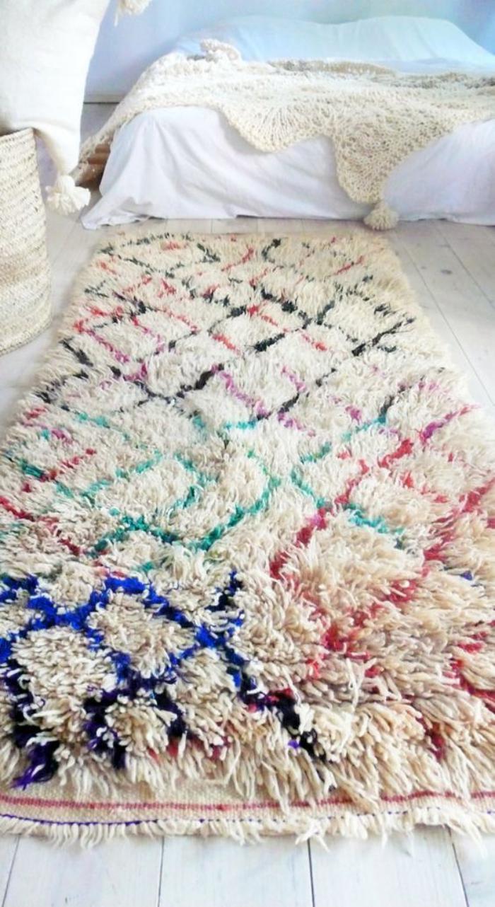 tapis-marocain-longues-mèches-et-diamants-en-couleurs