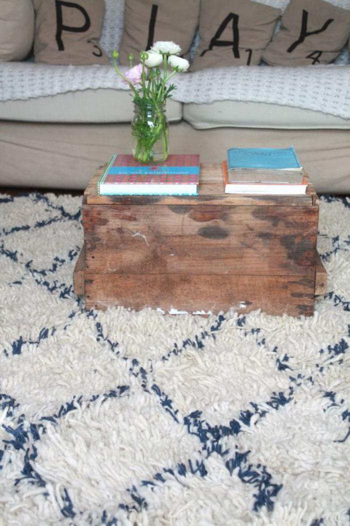 tapis-marocain-table-basse-coffre-bois