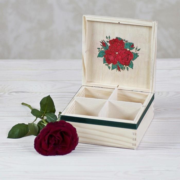 tea-box-thé-en-vrac-lathe-coffret-kusmi-tea-coffre-cadeau-personnalisé-belle-rose