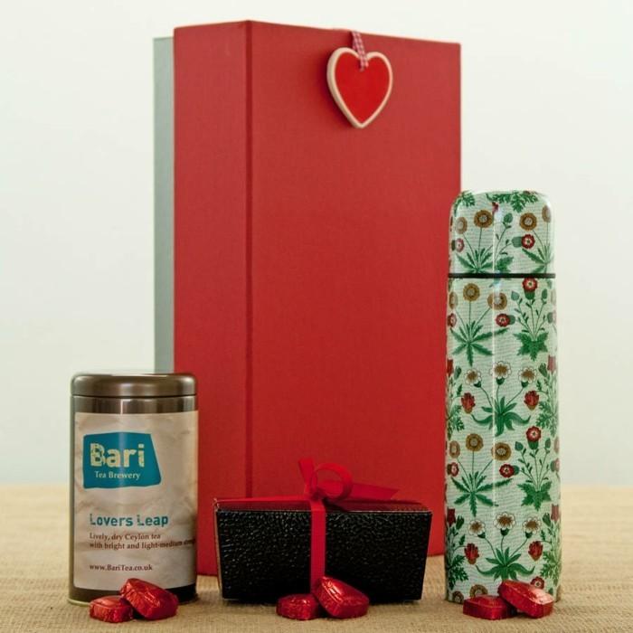 tea-box-thé-en-vrac-lathe-coffret-kusmi-tea-coffre-cadeau-personnalisé-cadeau