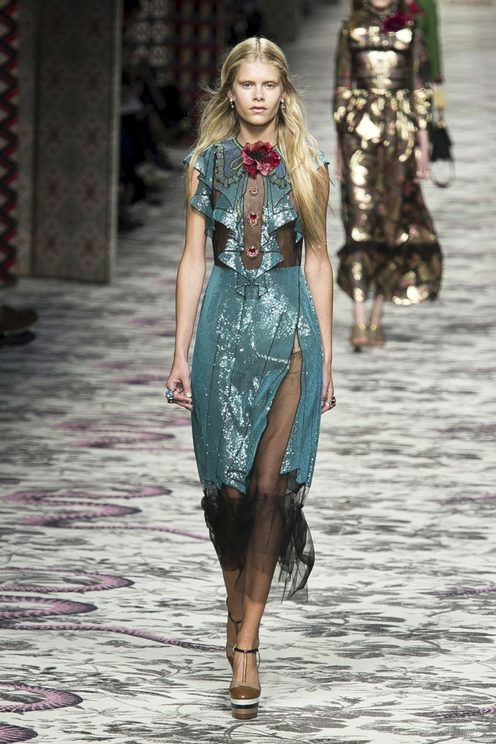 tendance-printemps-été-2016-gucci-pailletes-colorés-resized