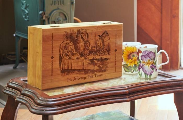thés-boite-thé-coffret-de-the-boite-à-thé-bois-coffet-cadeau-alice-au-pays-de-merveilles