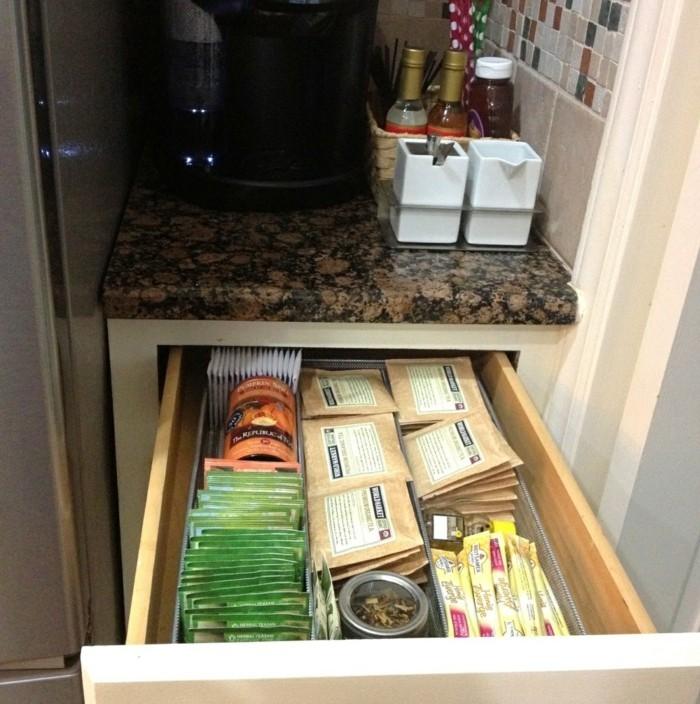 thés-boite-thé-coffret-de-the-boite-à-thé-bois-coffet-cadeau-dans-la-cuisine