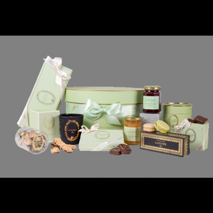 une-idée-magnifique-pour-cadeau-macaron-ladurée-coffret-lux-vert