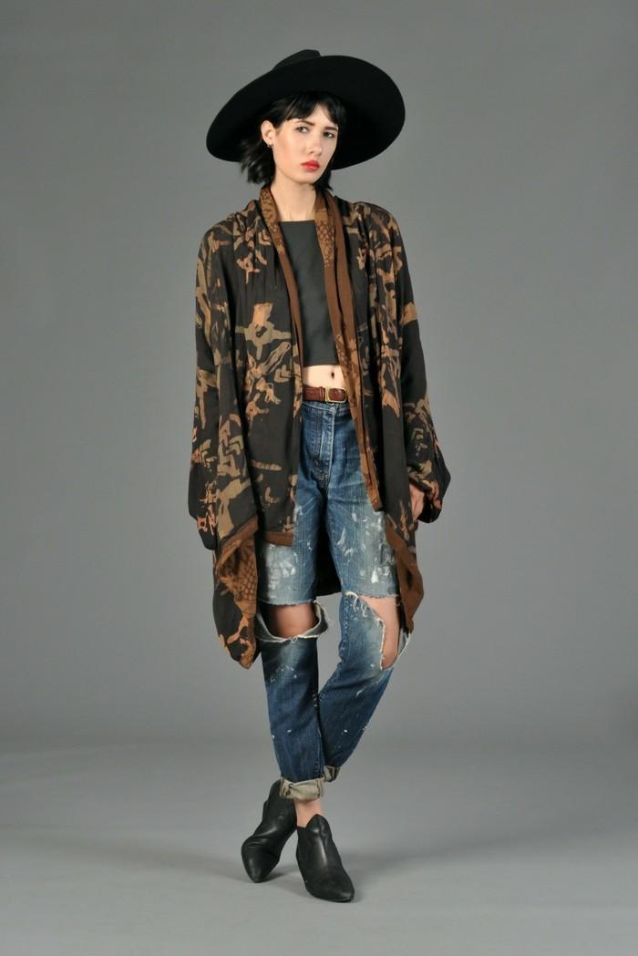 une-idée-tenue-de-jour-la-veste-kimono-femme-moderne-stylée-murmur