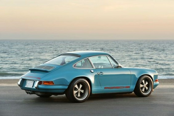vehicules-de-collection-porsche-911-bleu-marrin-achat-voiture-de-collection