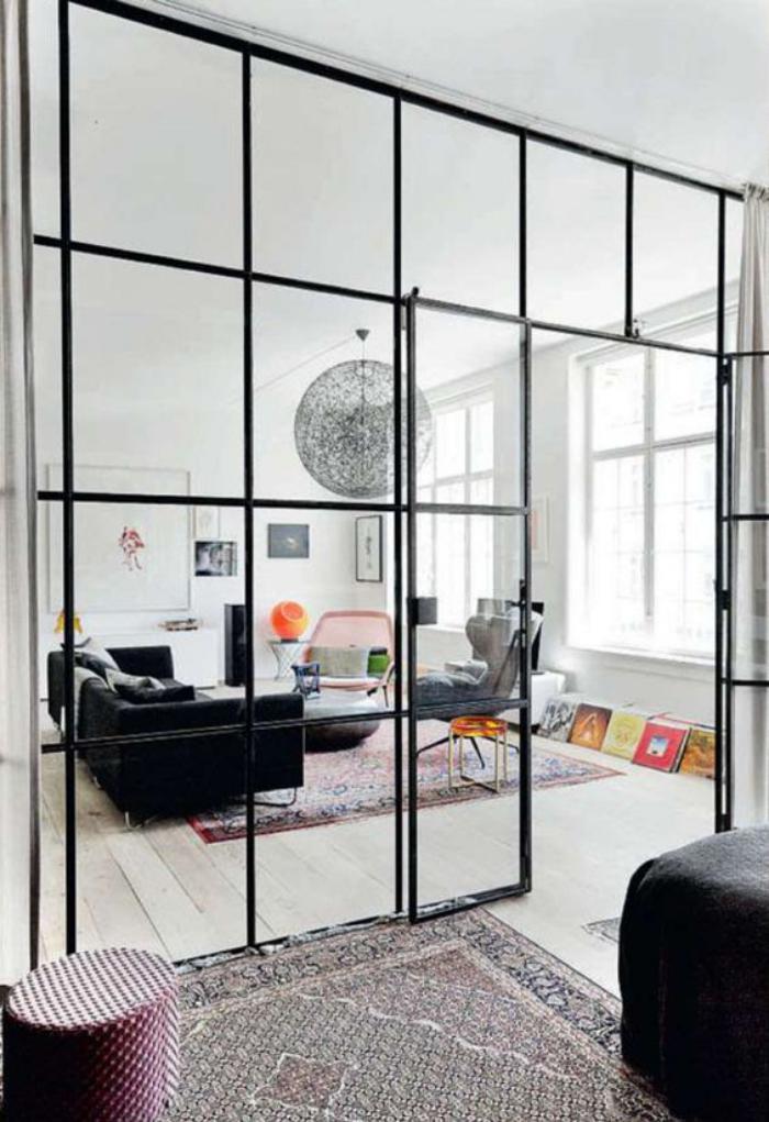 verrière-intérieure-mur-verriere-appartement-boho-chic