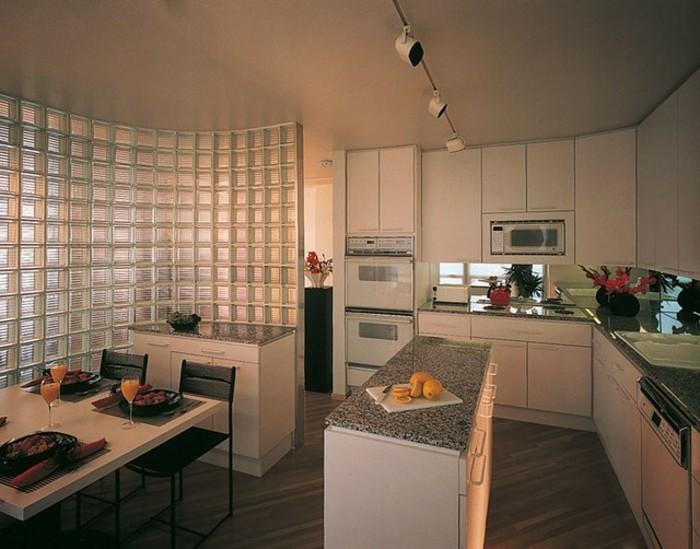 vintage-cuisine-pavé-de-verre-idée-intérieur-cuisine-amenagement-resized
