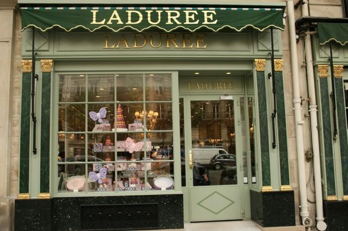 voir-75-avenue-des-champs-elysées-adresse-champs-elysée-ladurée-vue-de-magasine
