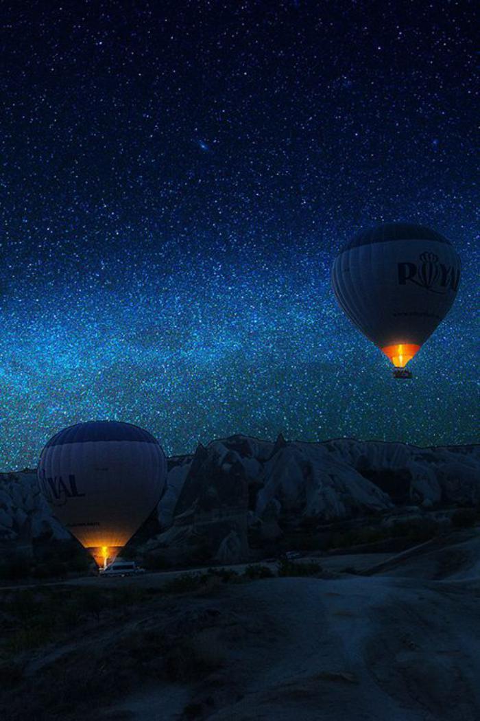 vol-en-montgolfière-promenade-aérienne-envahissante