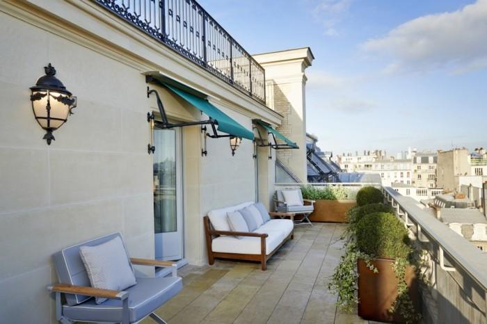 vue-magnifique-aménagement-balcon-étroit-idée-décoration-cosy-vaste