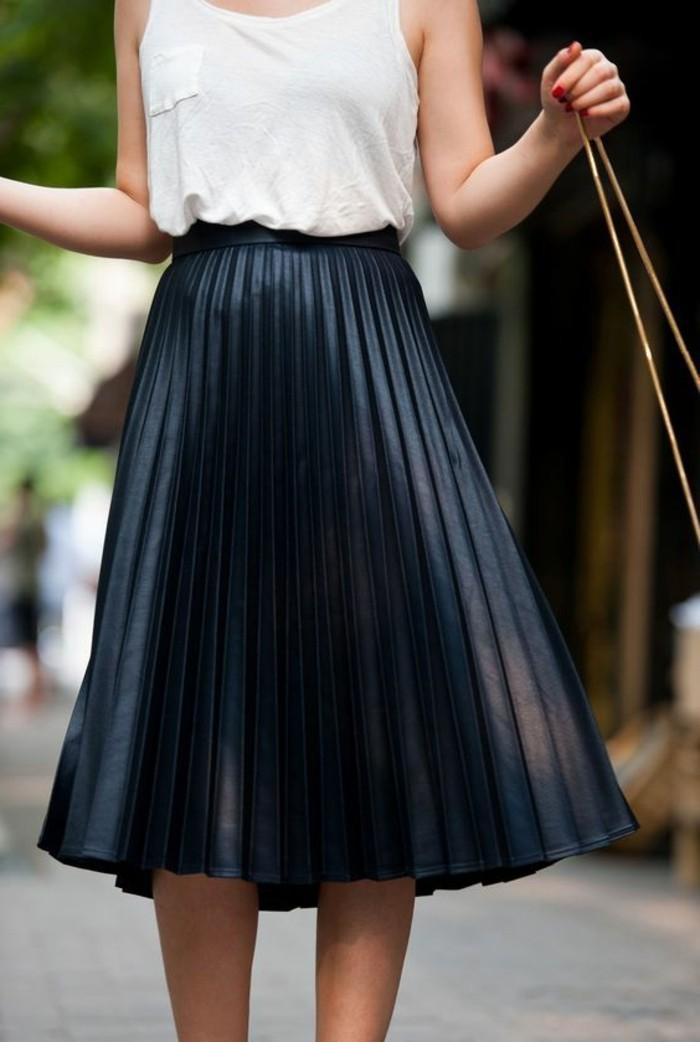 0-apparence-chic-top-blanc-jupe-plissée-noire-femme-moderne-mode-2017