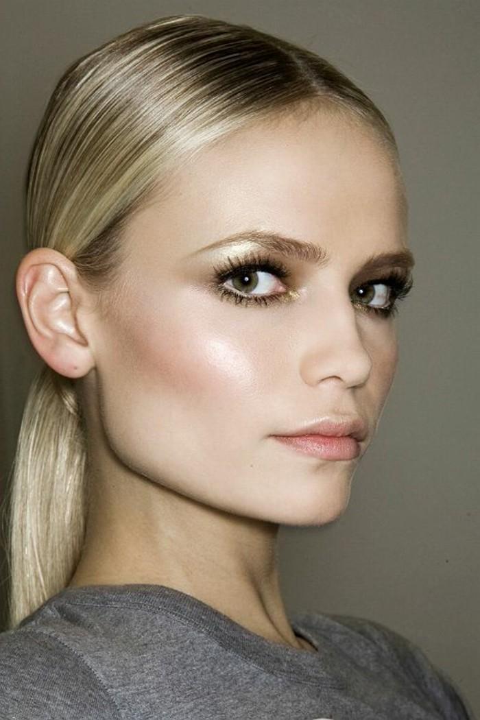 0-apprendre-a-se-maquiller-les-yeux-maquillage-yeux-ronds-cheveux-blonds-femme