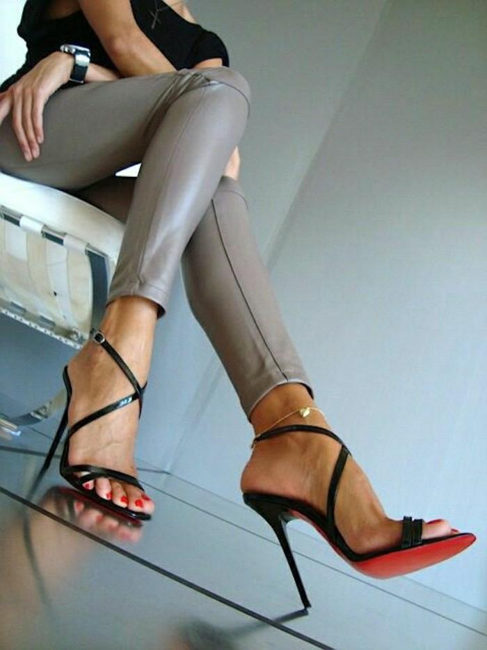 0-elegantes-sandales-talons-hauts-les-dernieres-tendaces-chez-les-chaussures-a-talons