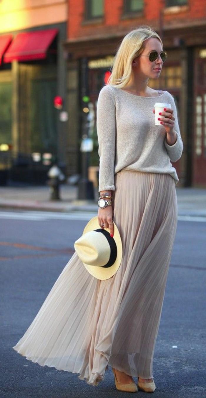 0-jupe-longue-plissée-beige-street-style-vetements-jupes-mi-longues-beiges