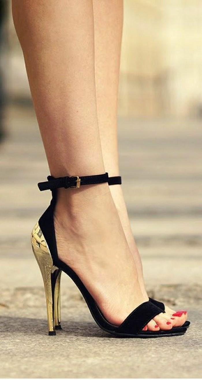 0-sandales-à-talons-les-dernieres-tendances-chez-les-chaussures-classiques-femme