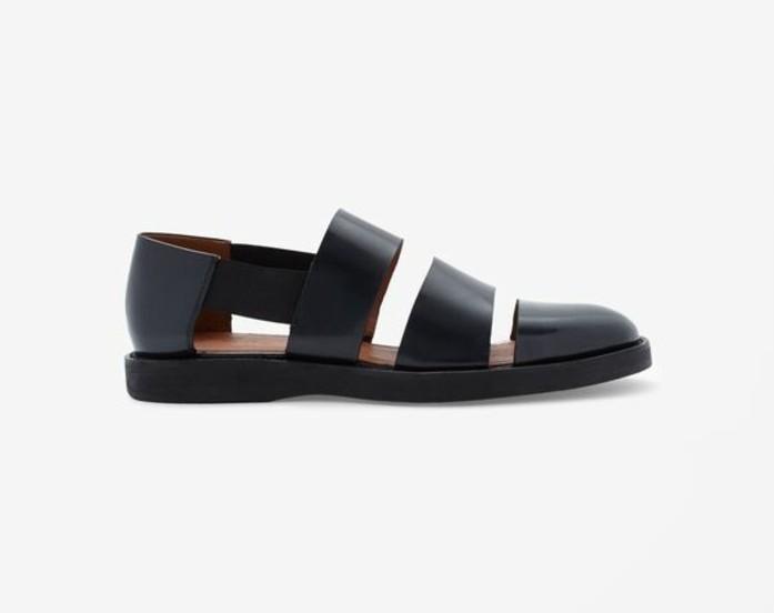 0-sandales-noires-femme-propose-par-COS-sandales-femme-sandales-pas-cher