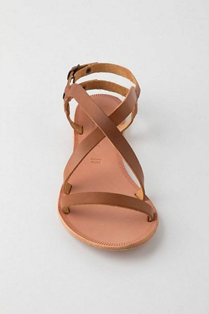 0-sandales-pas-cher-femme-sandales-marrones-spartiates-femme-design-en-cuir