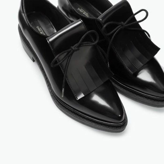 0-zara-derby-chaussures-femme-noires-pour-les-filles-tendances-2016