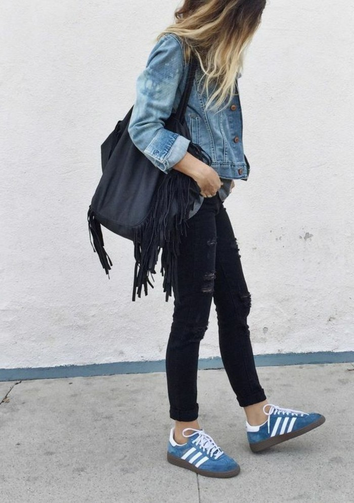 0-zara-femme-veste-en-denim-combinaison-sneakers-femme-blanc-bleu-pantalon-denim-slim