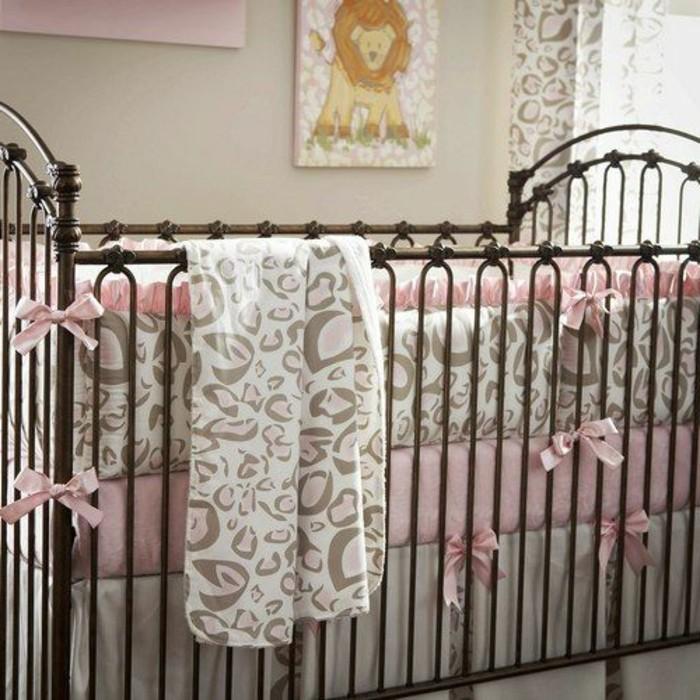 chambre petite fille lit fer forge pr l vement d 39 chantillons et une bonne id e. Black Bedroom Furniture Sets. Home Design Ideas