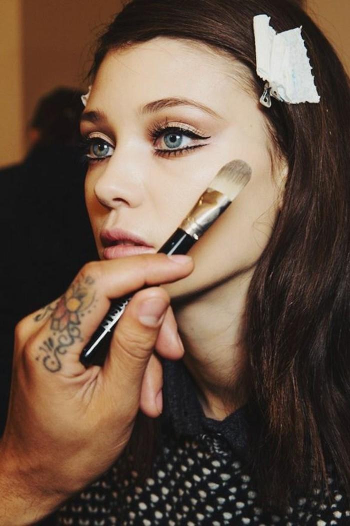 00-maquillage-yeux-ronds-bleus-comment-se-maquiller-nos-idees